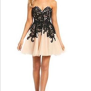 * SOLD * Bee Darlin champagne dress...gorgeous!
